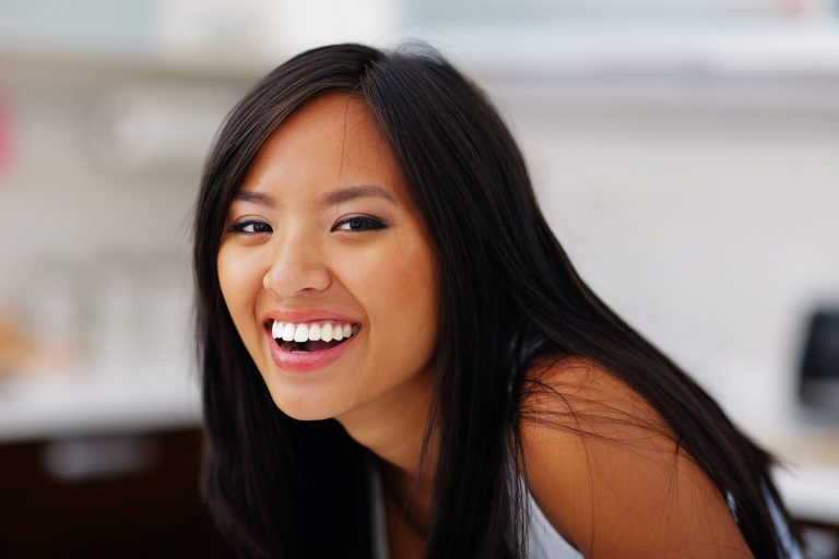 laughing lady with perfect teeth