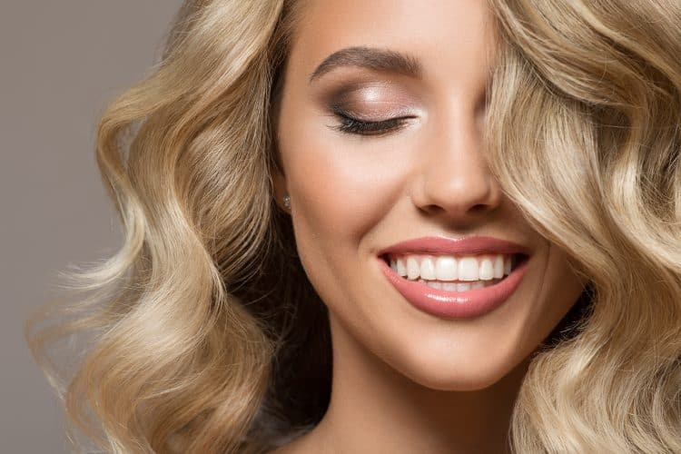 Dental veneers beautiful lady